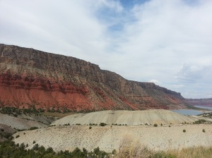 Picture of red rocks in the flaming gorge