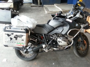 BMW GSA r1200 with mirrors and windscreen removed prior to shipping