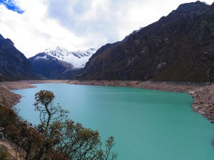 A blue lake surrounded by mountains